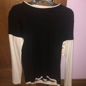 Long sleeve b&w shirt
